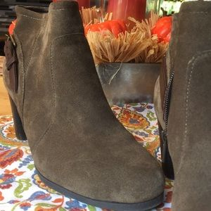 Fall Booties Bass sz 7 1/2